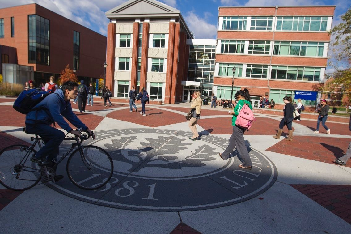 Sunny day on UConn seal